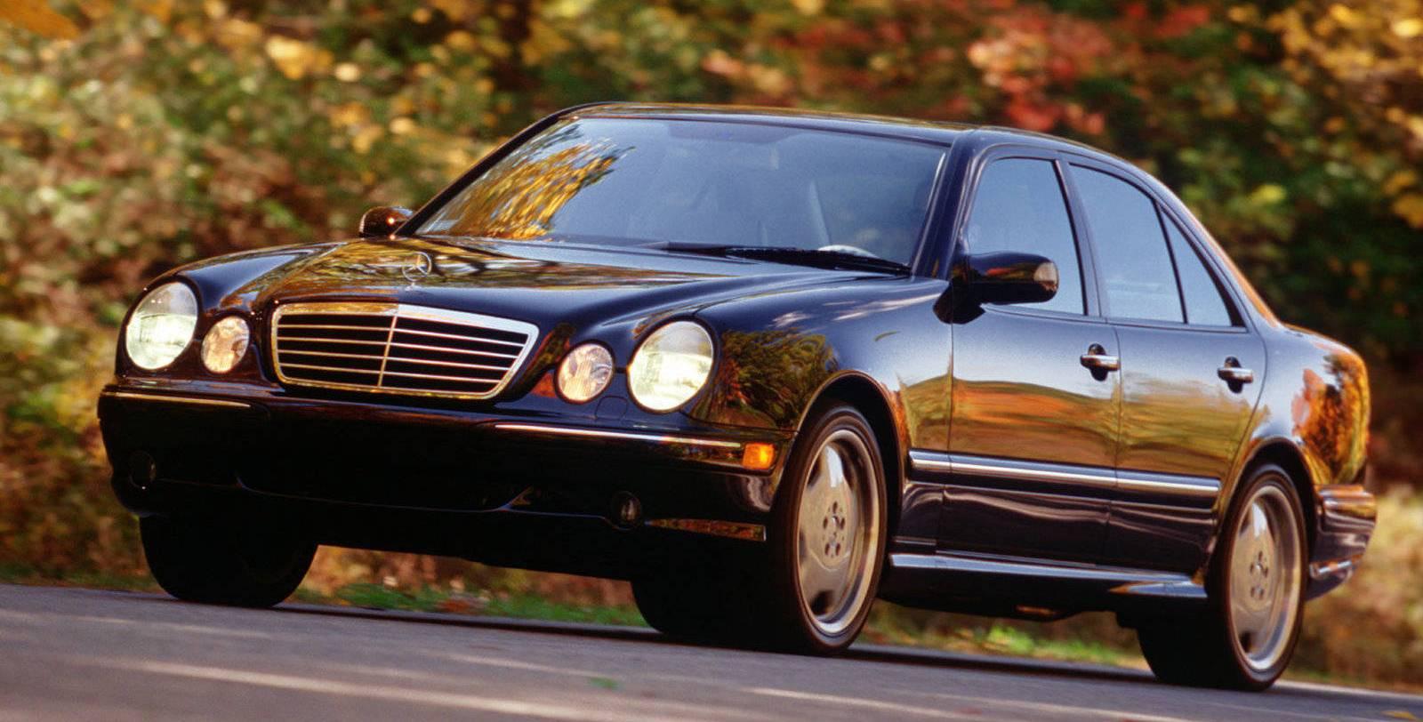 Photo: netcarshow.com 2000 Mercedes-Benz E55 AMG
