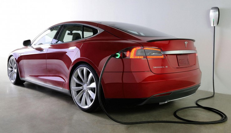 Photo: ecomento.com Tesla Model E electric sedan.