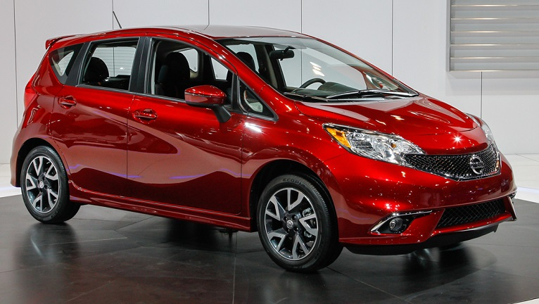 Photo: thenewestcars.net Gasoline-powered Nissan Versa bested its sibling in Black Book analysis.
