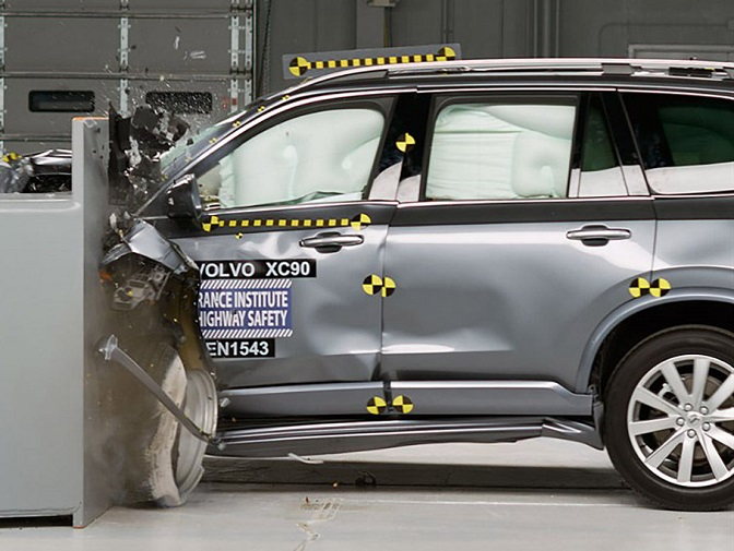 The Volvo XC90 was a smashing success in IIHS crash tests.