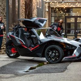 http://Other-worldly,%20three-wheeled%20Slingshot%20'incredible'%20–%20and%20street%20legal
