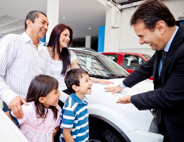 Family with a great car dealership