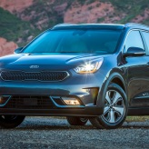 Kia Niro green crossover